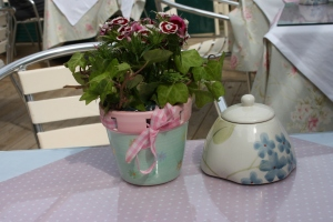 Pretty planter and sugar bowl