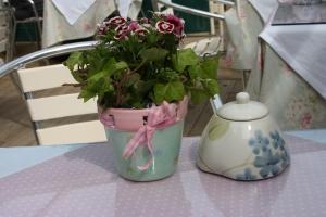 Pretty planter and sugar bowl